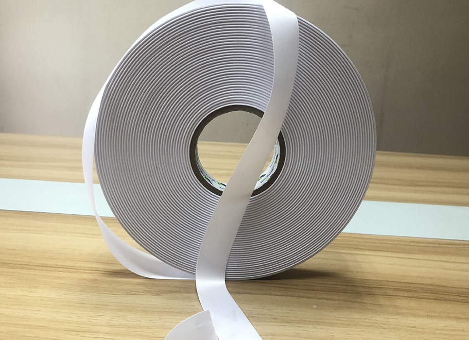 Smooth double sided woven edge polyester satin WD891