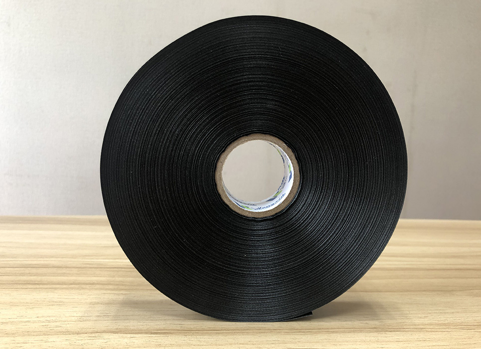 Single sided black semi-dull polyester satin PS575